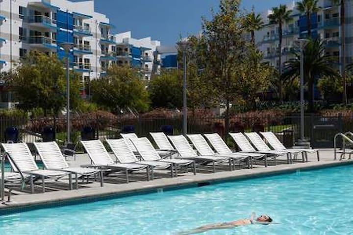 ❤Luxury Corner Unit Balcony Pool Jacuzzi Gym