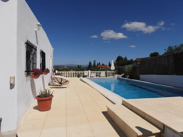 Holiday Villa in Peaceful Setting - Monserrat - Willa