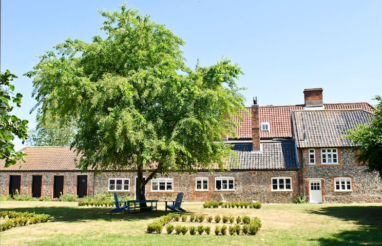Grange Farm House in Euston - Euston, Thetford - Bed & Breakfast