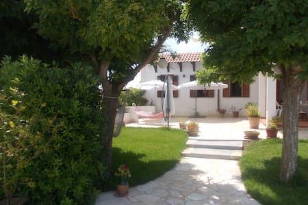 Villa in campagna a 500 m dal mare - San Foca
