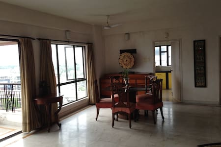 2100 sqft 3 bedrm, fully aircon ! - Kolkata