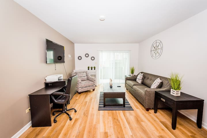 ⭐Perfect Getaway⭐Comfy King Bed✔Fast WiFi✔Smart TV