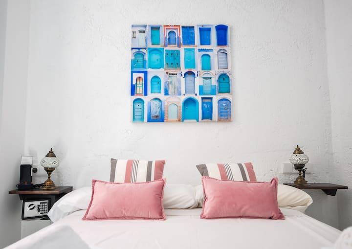 RENTHAS Málaga Hotel-Pensión, Doble Interior con cama de matrimonio