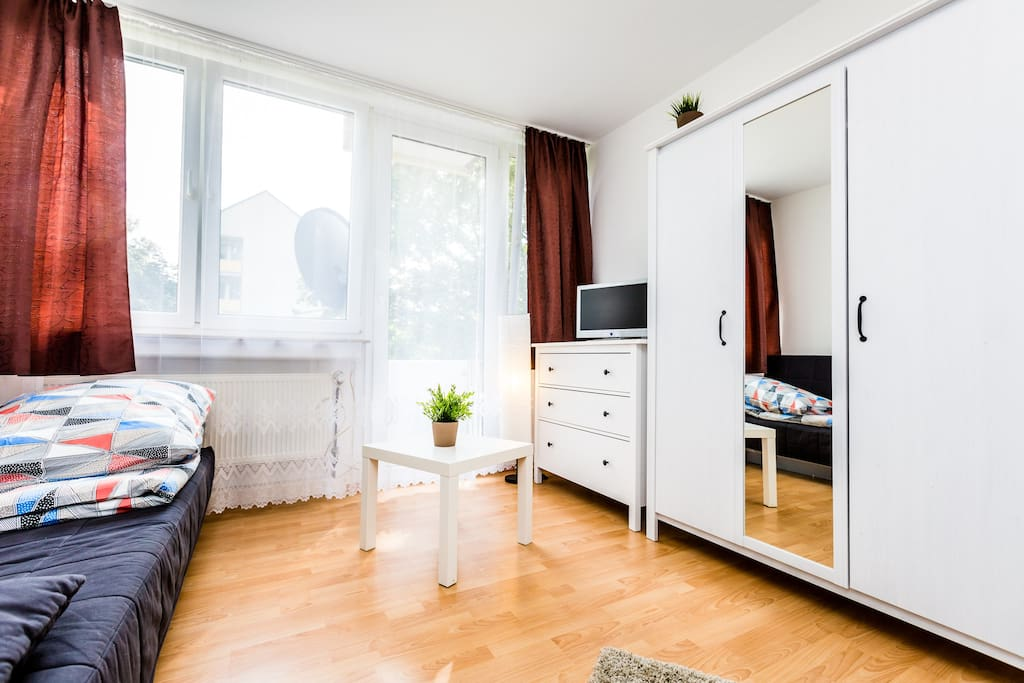 24 apartment in cologne h henberg apartments for rent in cologne north rhine westphalia germany. Black Bedroom Furniture Sets. Home Design Ideas