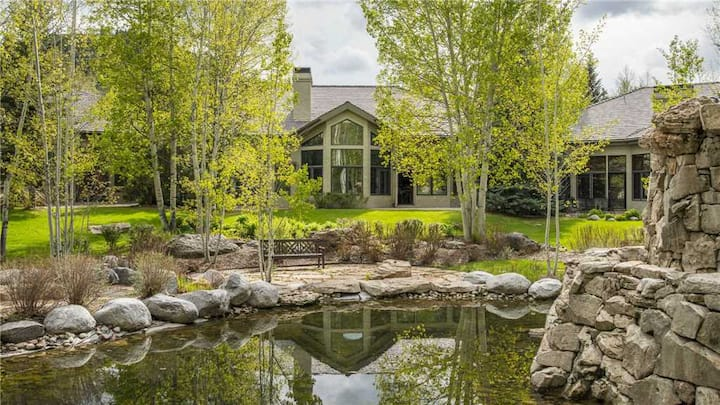 Community Pool & Hot Tub!  -Chalet Columbine