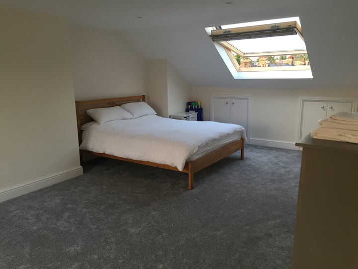 King size loft room with en-suite.