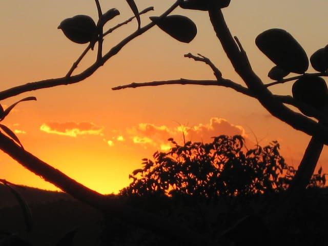 Pôr-do Sol na Serra dos Pireneus