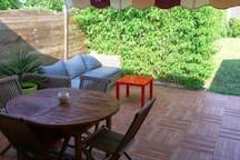 La terrasse pour l'apéro et le repas
