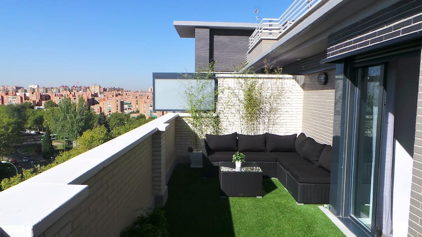 LUXURY PENTHOUSE +TERRACE+ POOL - Madrid - Lägenhet