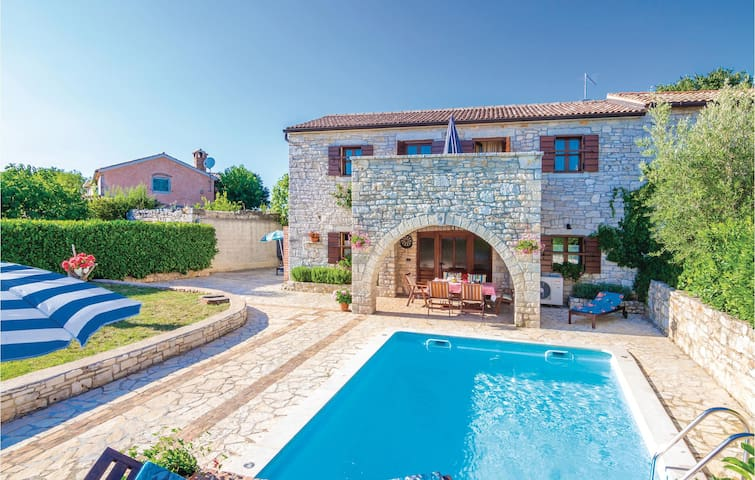 Holiday cottage with 3 bedrooms on 110 m² in Vrsar