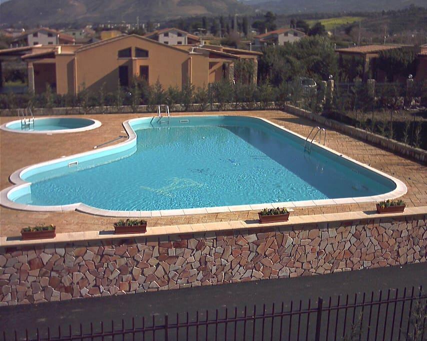 Villetta vicino mare con piscina condominiale ville in - Ville in affitto al mare con piscina ...