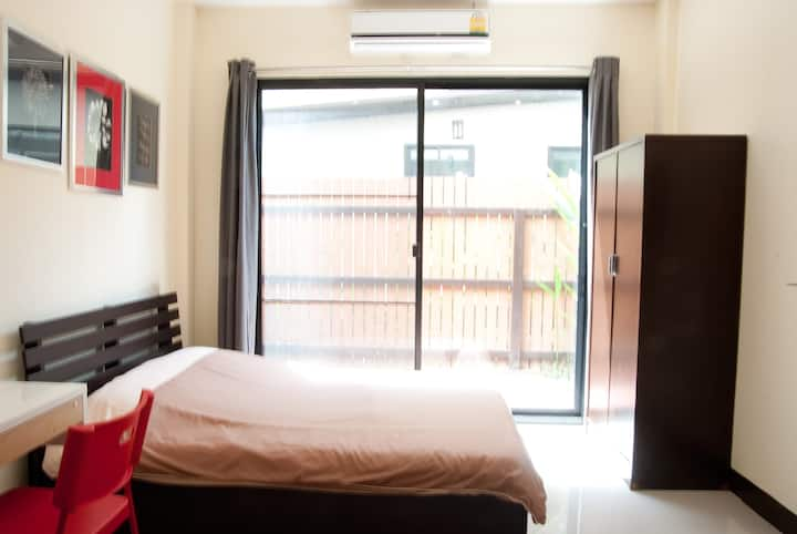 1.Bangkok great value Studio WIFI
