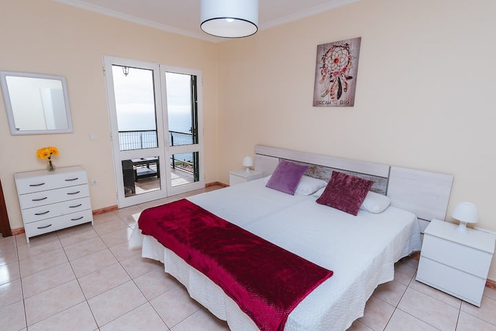 Relaxing Private Calheta Holiday Apartment C