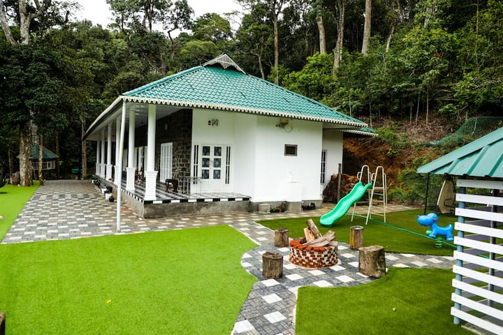 Mountain View  Estate Stay in Spice Plantation