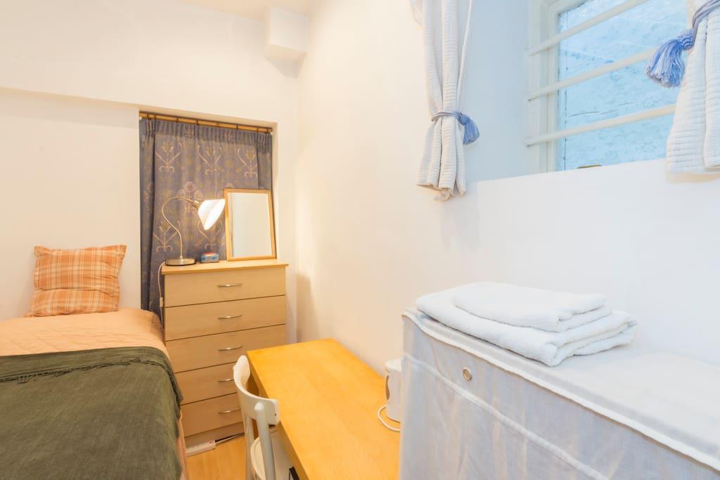 Single bedroom has desk, storage, kettle + silent mini fridge