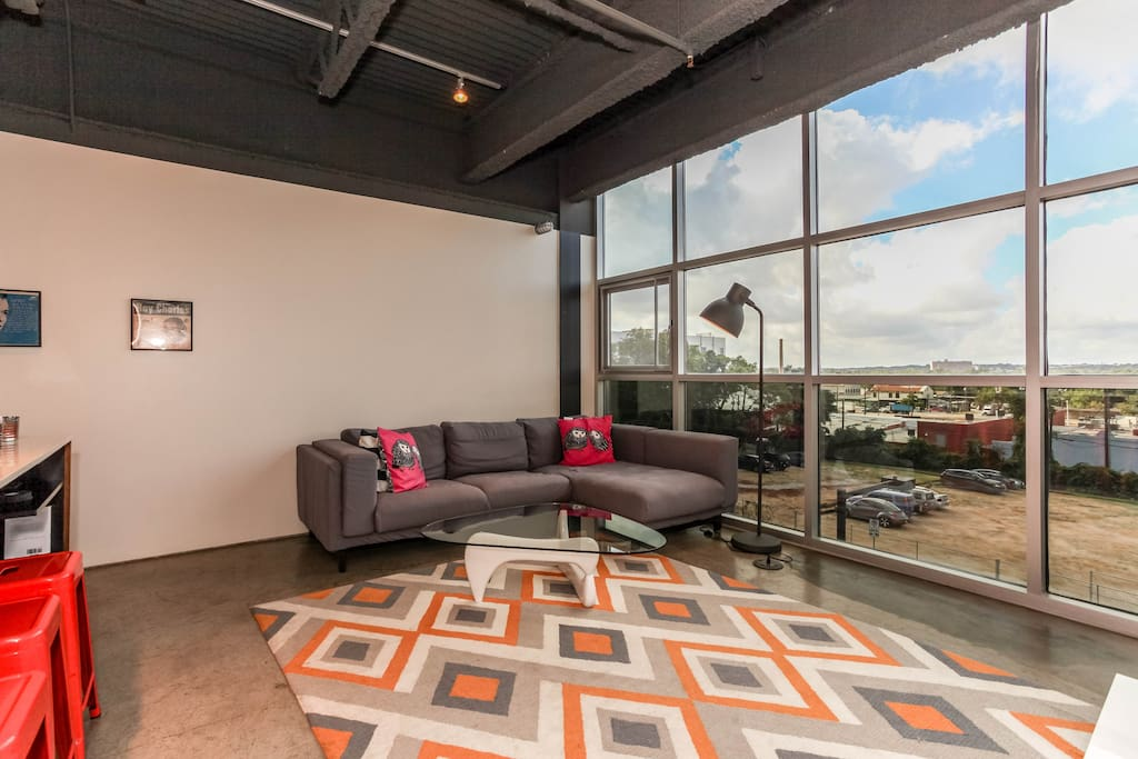 Large living space with amazing views of downtown Austin.