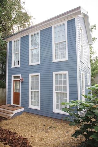 """Urban """"Treehouse"""" Studio  - Charlottesville - House"""