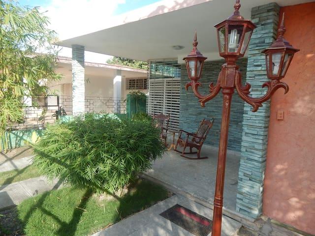 Hostal de la Rosa 2 - Holguín - Apartemen