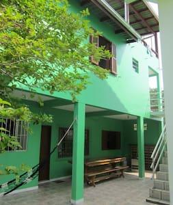 Casas na Joaquina com vista panorâmica - Florianópolis