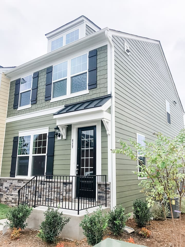 Brand new beautiful townhouse heart of Wake Forest