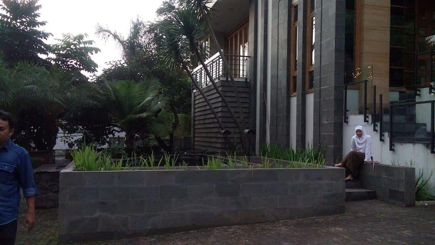 Spacious rooms,great view,comfort - Bandung - Villa