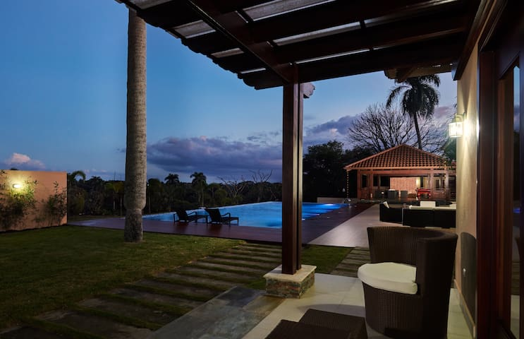 "Luxury Santiago Villa: ""The Zen House"""