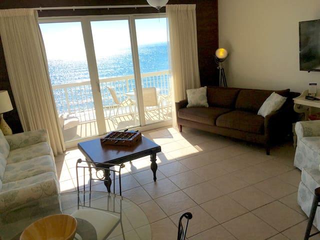 Seychelles beachfront, Perfect views (5th floor)