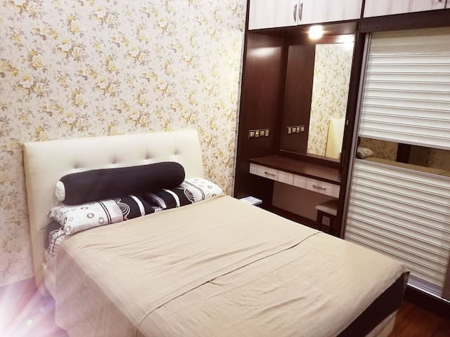 Queen Room near Mid Valley KL city center.