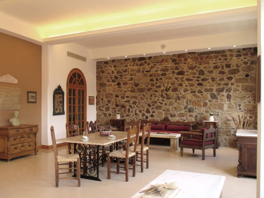 True antique Greek furniture throughout your suite next to Emperor Hadrian's library at the foot of the great Acropolis. Is there a better location or a more interesting view in the very heart of Athens central?
