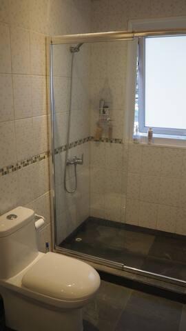 3 baños completos