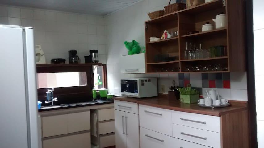Armarios com adicionais de cozinha