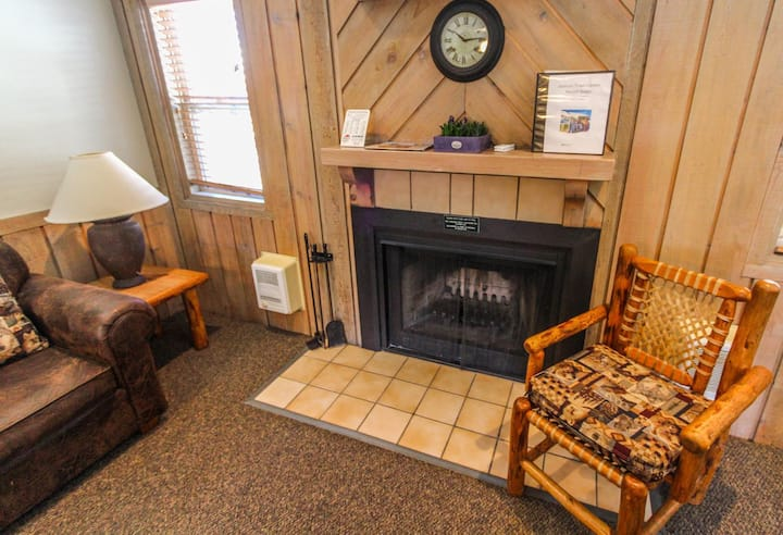 Jackson Hole Town Center 2BR Condo Fireplace Ski