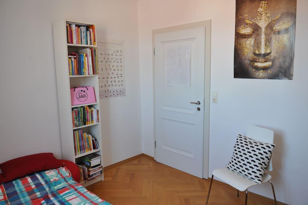 Schlafzimmer / Bed room
