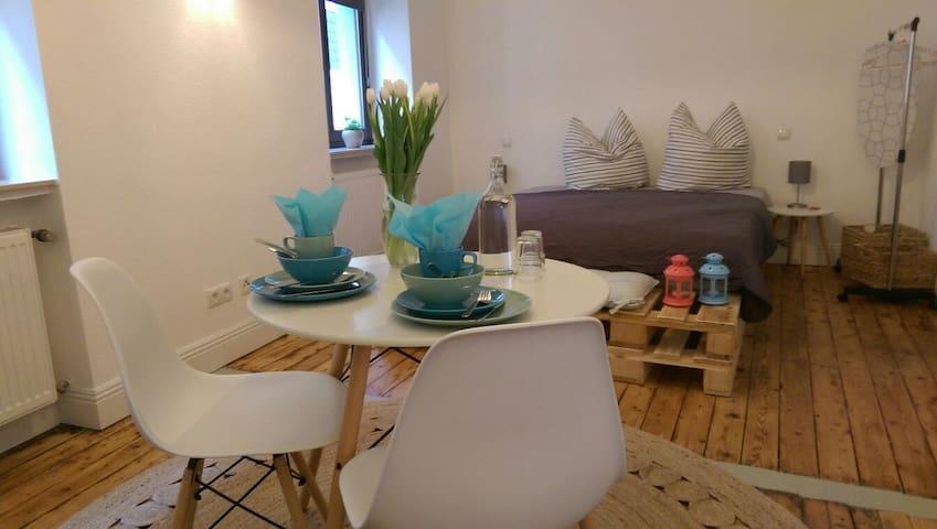 Cosy studio apartment with private bathroom I