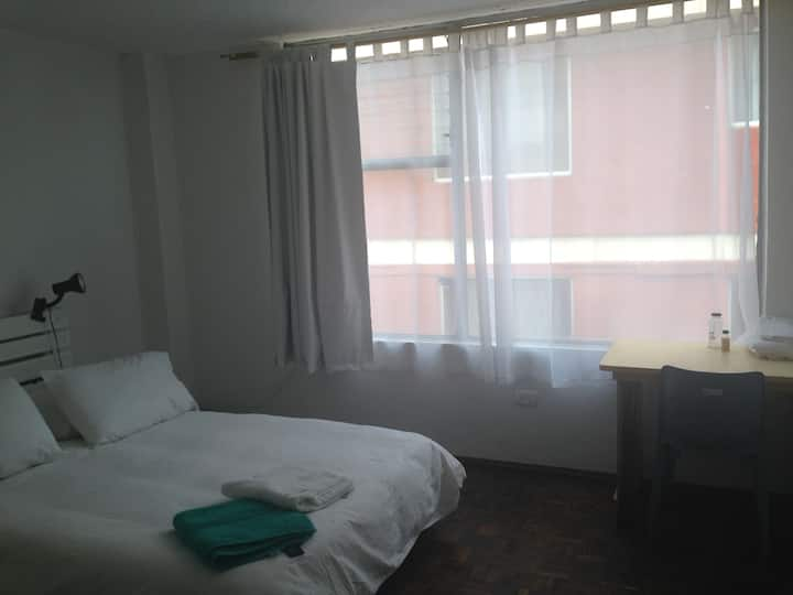 La Floresta- Great furnished room shared apartment
