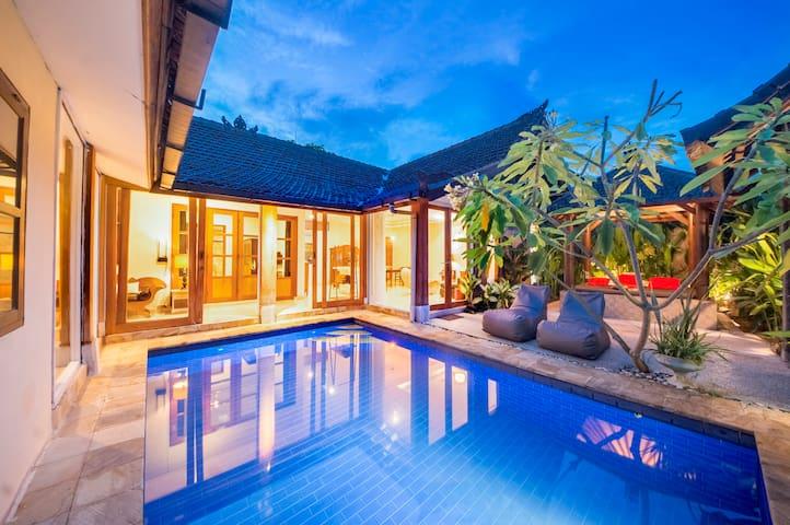 Charming Villa @heart of Seminyak. Free trf (5d+)