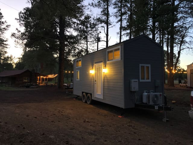 Family sized Tiny Home in Northern AZ wilderness