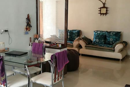 Gujju Family room - Ахмедабад