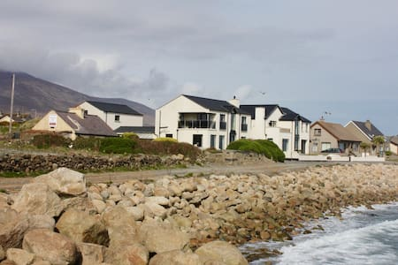 Breeze Inn Shore Side Apartment, Mourne Mountains - Annalong