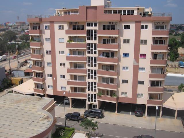 Apartamento no Condomínio Astro