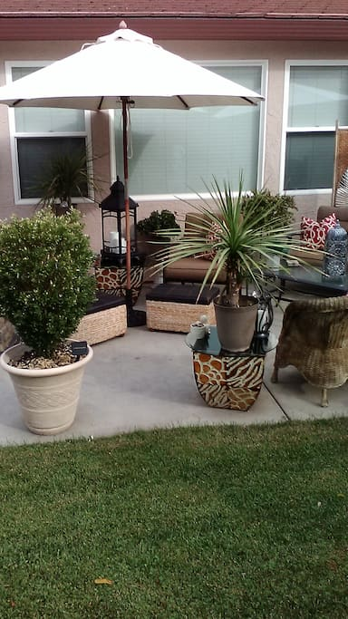Additional backyard seating.