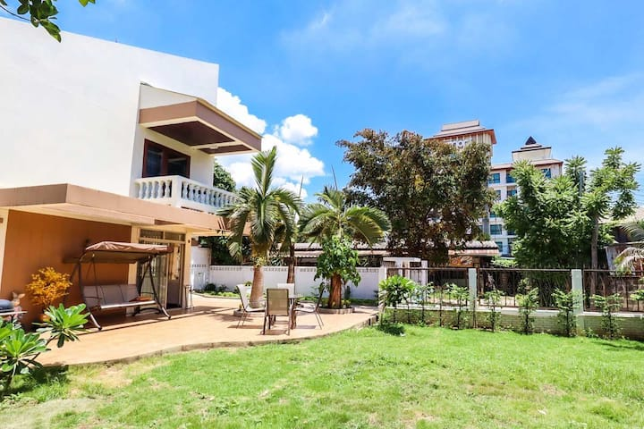 No Airbnb fee !! The Sunny Villa @ MAYA~NIMMAN
