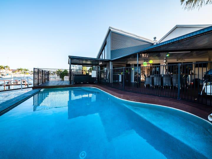 Mooloolaba Waterfront Living - Holiday Luxury