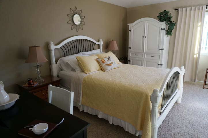 The Songbird Suite - Temecula - Bed & Breakfast