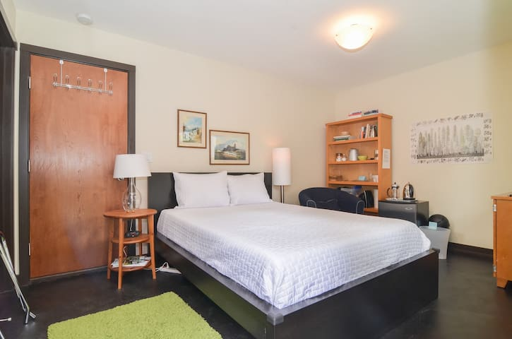 Beautiful Guest Suite for 2 - Seattle - Huis
