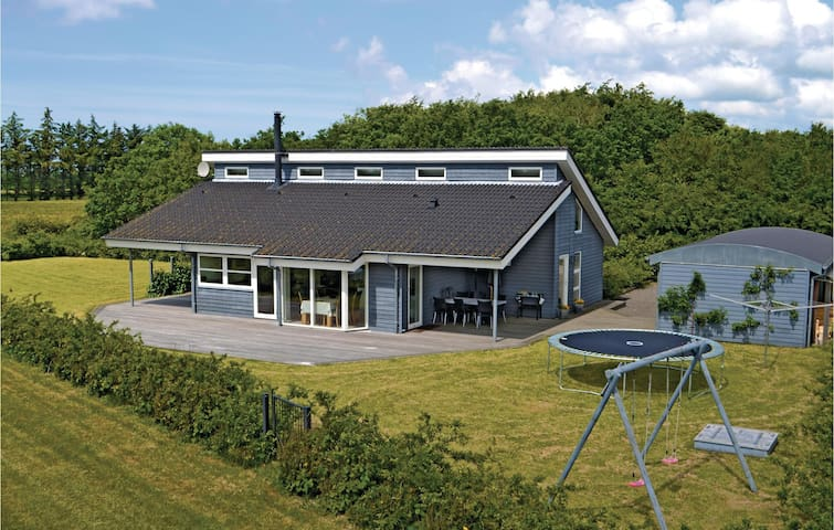 Holiday cottage with 3 bedrooms on 113m² in Skjern