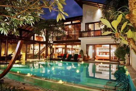 Luxury Casis Villa at Sanur 5br - South Denpasar - Villa