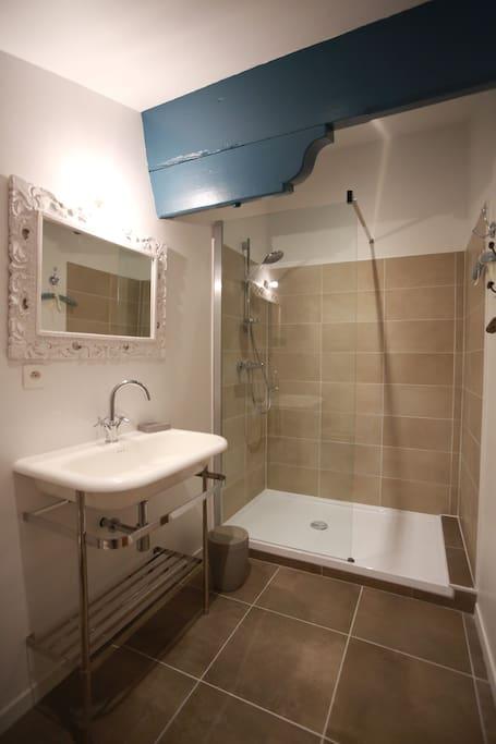 Salle de bain - Chambre Maïda