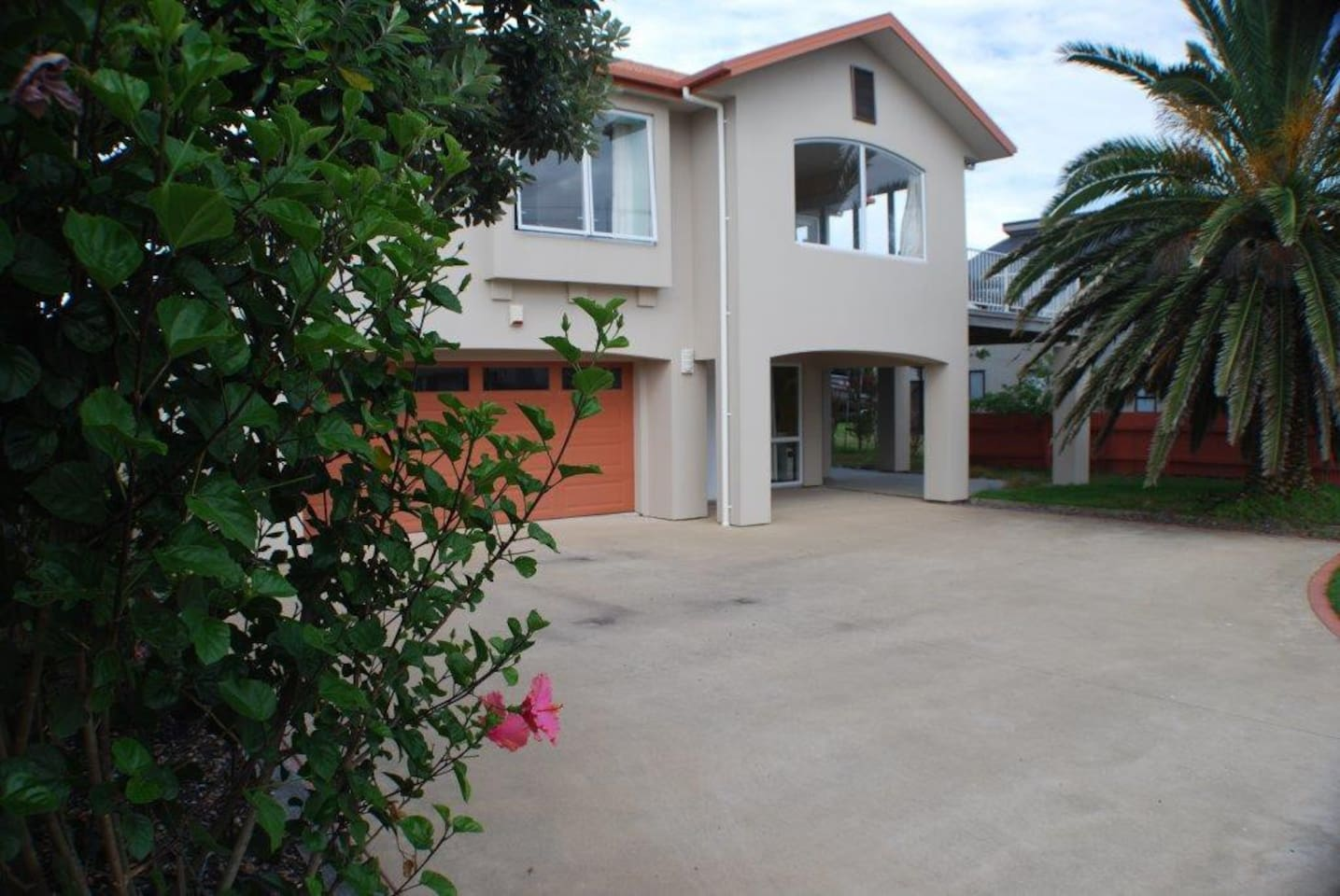 Welcome to Sandcastle Ruakaka 2 minutes walk from the beach