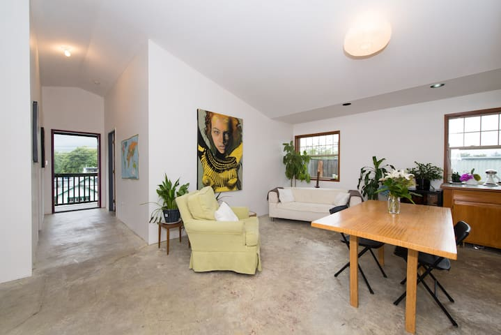 Penthouse Apartment w 360' views